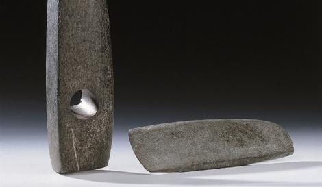 Beil und Axt aus Stein Detail